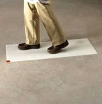 3M Clean-Walk 5836 Alfombra de piso Blanco - 36 in Ancho x 46 in Longitud - 95742