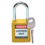 Brady Amarillo Nailon 6 pernos Candado de seguridad con llave 99570 - Ancho 1 1/2 pulg. - Altura 1 3/4 pulg. - Número de llaves incluidas 1 - 754476-99570