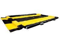 Justrite Quickberm Negro/Amarillo PVC 250 gal Berma portátil - Ancho 10 pies - Longitud 11 pies - Altura 4 pulg. - 697841-15686