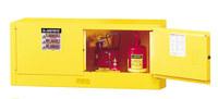Justrite Sure-Grip EX 12 gal Amarillo Gabinete de almacenamiento de material peligroso - Cierre manual - Ancho 43 pulg. - Altura 18 pulg. - 697841-11242