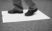 3M Clean-Walk 5840 Alfombra y marco para alfombra Blanco/blanco - 31 1/2 in Ancho x 25 1/2 in Longitud - 55723