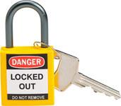 Brady Amarillo Nailon 5 pernos Candado de seguridad con llave 143158 - Ancho 1 1/5 pulg. - Altura 1 2/5 pulg. - Número de llaves incluidas 1 - 754473-20830